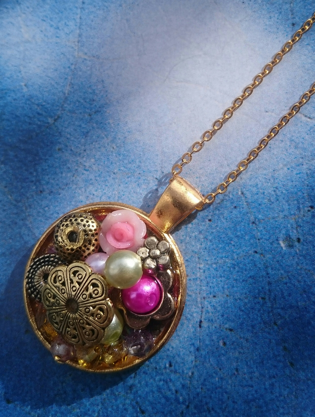 Gorgeous Bejewelled Golden Round Pendant