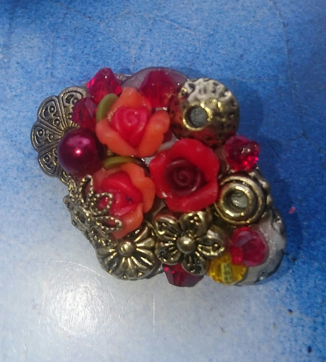 Bejewelled Little Vintage Style Brooch