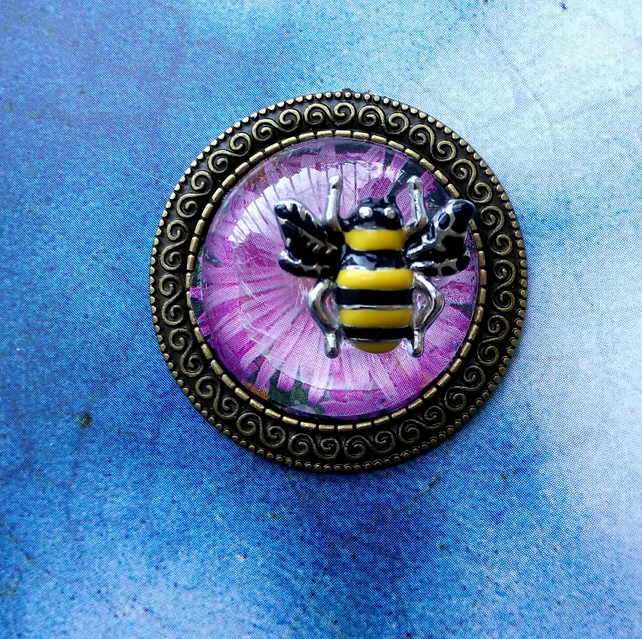 Floral Cabochon Brooch with a Little Bee