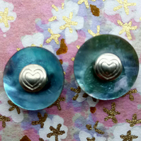 Little Shell Stud Earrings with Tibetan Silver Hearts