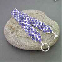 Purple honeycomb design seed bead bracelet (253)