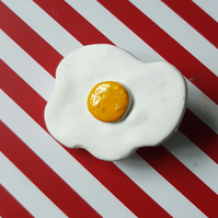 Small Fried Egg Brooch available in 3cm