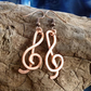 Hammered copper treble clef earrings, perfect for musicians - 35mm drop
