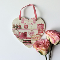 Wooden hanging heart 'Pink Sweets'