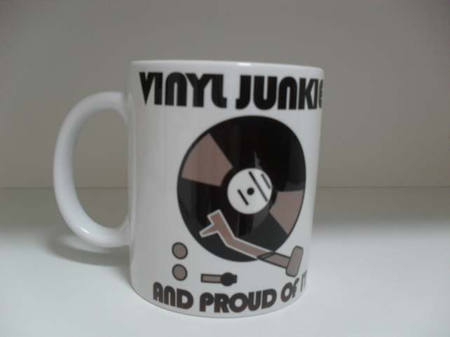 Vinyl junkie 11oz novelty coffee mug