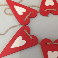 Red & Cream Country Heart - Wooden Bunting