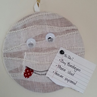Covered Cork Pinboard - Mummy