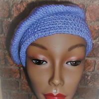 Women's 1950's Style Knitted Beret in Hyacinth Blue