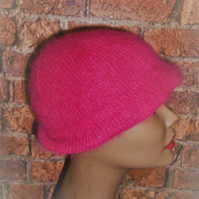 Women's 1950's Style Deep Pink Knitted Angora Hat