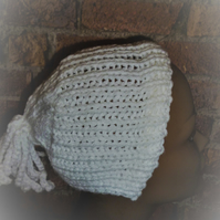 1950's Knitted White Bonnet Hat