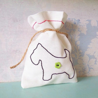 Gift Bag. Keepsake Bag. Jewellery Bag. Ring Bag. Scottie Dog. Embroidered Dog.