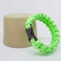 Paracord Bracelet - Glow in The Dark. Green.