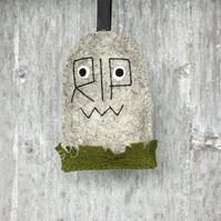 Gordon The Gravestone Halloween 100% Wool Felt Hanging Decoration
