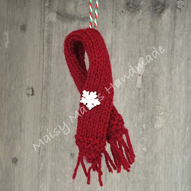 Winter Woolly Scarf - Handmade Wool Decoration in Burgundy