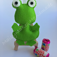 Green Frog Hanging Decoration