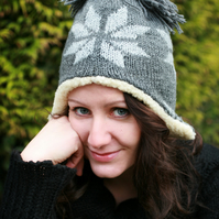 Women's winter hat with snowflake