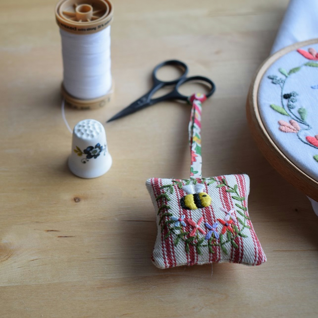 Red Ticking Scissor Fob in 'Belle' design - embroidered bee and flowers.