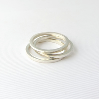Geometric open circle ring- Sterling silver circle ring- Round silver ring