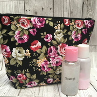 Toiletry bag- small roses