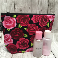 Toiletry bag - Roses