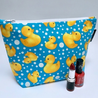 Make up bag bath time ducks