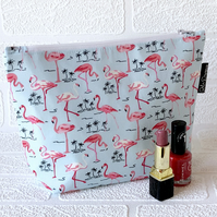 Makeup bag flamingos