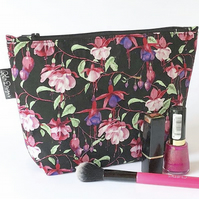 Makeup bag fuchsia