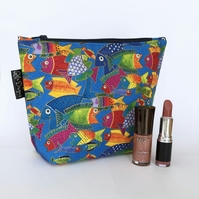 Make up bag- fishes