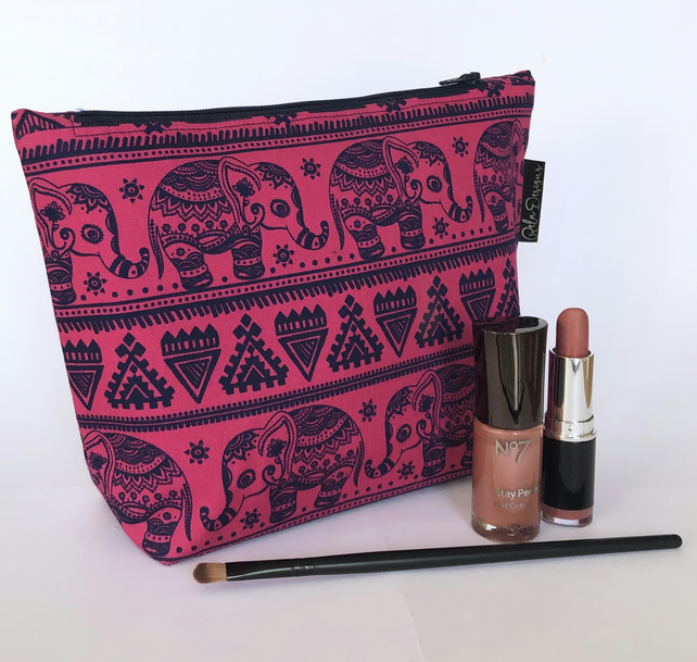 Make up bag - elephants