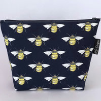 Makeup bag, bees