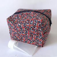 Boxy makeup, toiletry bag, union jacks