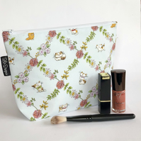 Makeup bag cats and roses