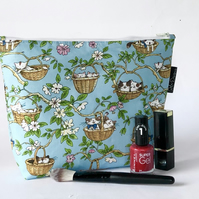 Makeup bag, cats in nests