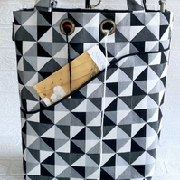 Knitters project bag, monochrome