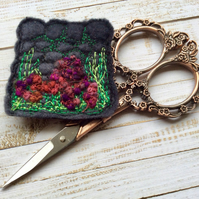 Dry stone wall and hedgerow embroidered brooch.