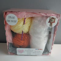Leo the Lion Crochet Kit