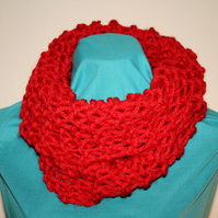 Hand Knit Chunky Infinity Cowl Poppy Red