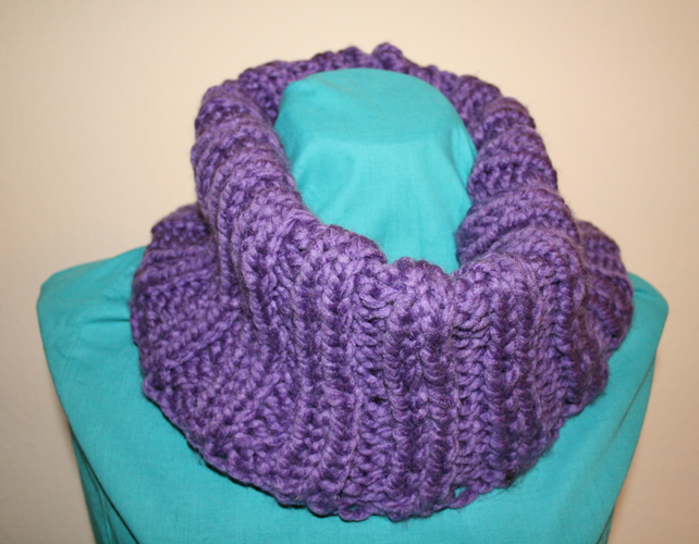 Hand Knit Chunky Ribbed Cowl Purple
