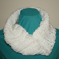 Hand Knit Chunky Ribbed Infinity Cowl, White