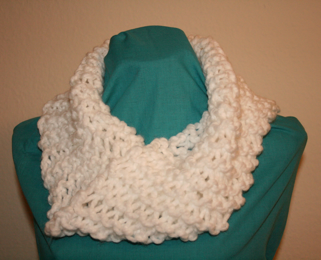 Hand Knit Chunky Infinity Cowl, White