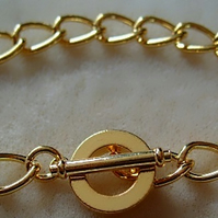 Bracelet blank, gold plated chain with toggle clasp