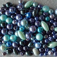 100g mixed glass pearls, blue, aqua