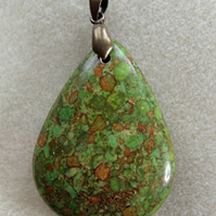 Dyed agate pendant, green, 50mm x 35mm