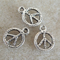6 metal peace charms, 8.5mm