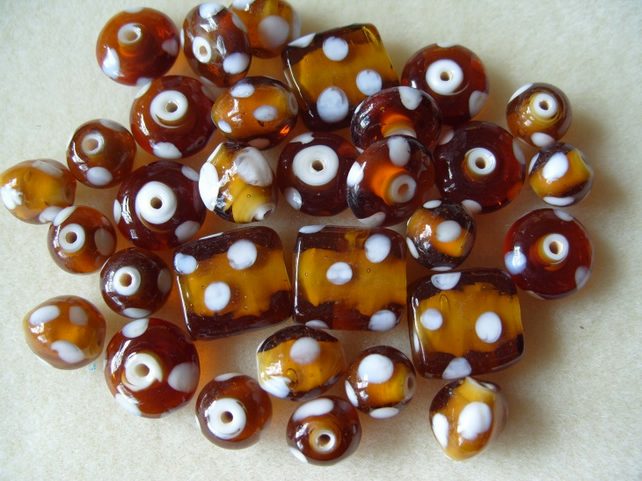 Mix of Indian glass beads, amber with white spots, 65g