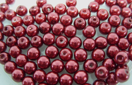 100, 6mm glass pearls, red