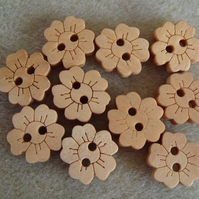 12 wooden flower craft buttons,15mm