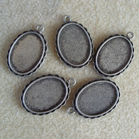 5 oval pendant frames, 18mm x 24mm, plated metal, antique silver