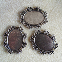 3 oval pendant frames, 22mm x 30mm, plated metal, antique silver