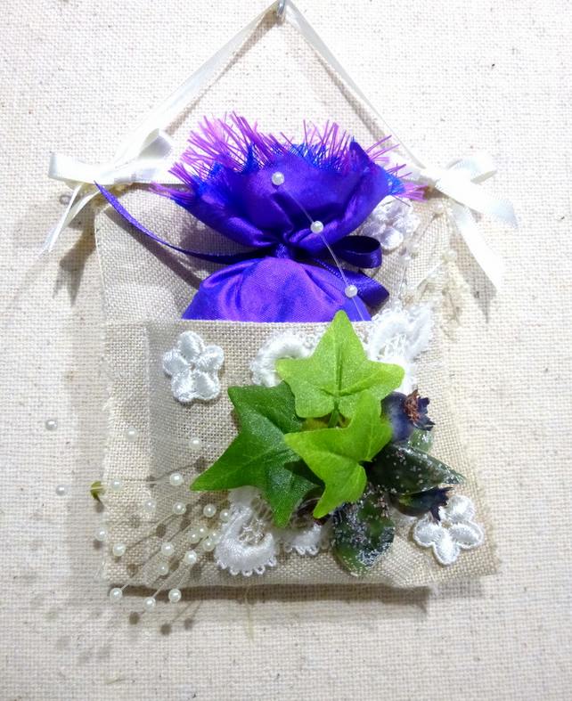 cream floral sachet with lavender wax melts and seeds wardrobe drawer hanger UK
